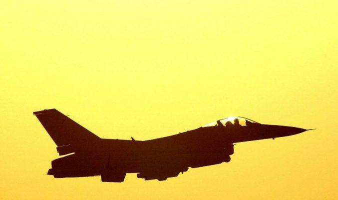 2_f16_fighter_plane_sunrisetakeoff_usairforce_aviation_wallpaper_x